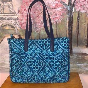 Vera Bradley multi blue pattern deluxe compute bag